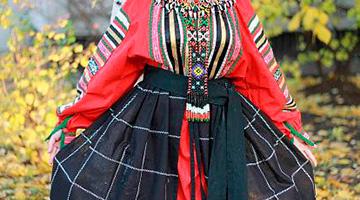 Понёва – традиционный элемент женской одежды на Руси